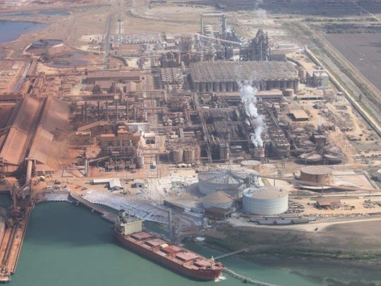 A bankruptcy judge on Thursday signed off on an  agreement to effectively end a two-year labor dispute between Sherwin Alumina Co. and 450 union employees.