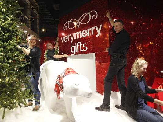 Downtown Boston Store prepares for holidays