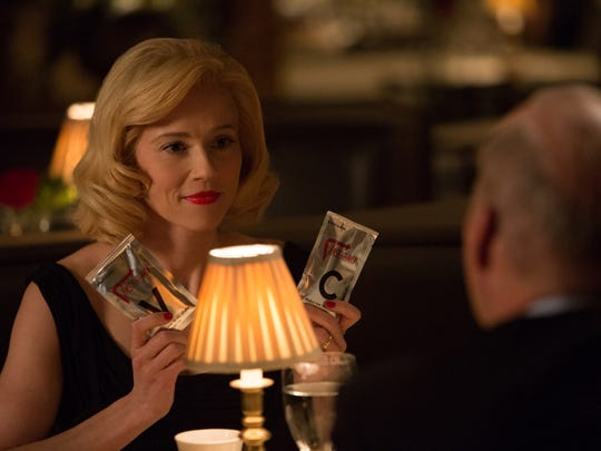 """In """"The Founder,"""" Joan (Linda Cardellini) is married to a franchise owner — initially."""