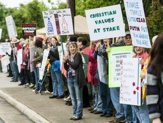 AP TRUMP PROTEST A USA VA