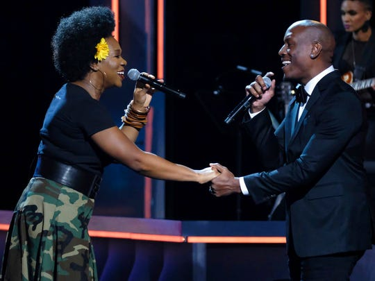 India Arie and Tyrese Gibson perform at the Black Girls