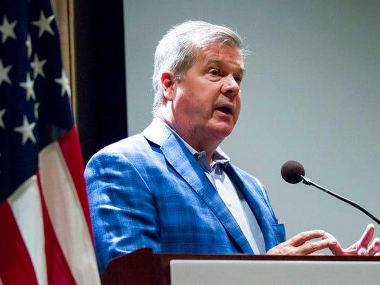 Former Nashville Mayor Karl Dean, a Democrat, speaks at a gubernatorial forum hosted by the Tennessee Business Roundtable in Nashville on Sept. 12, 2017.