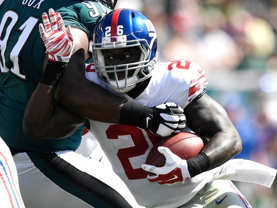 New York Giants running back Orleans Darkwa (26) rushing