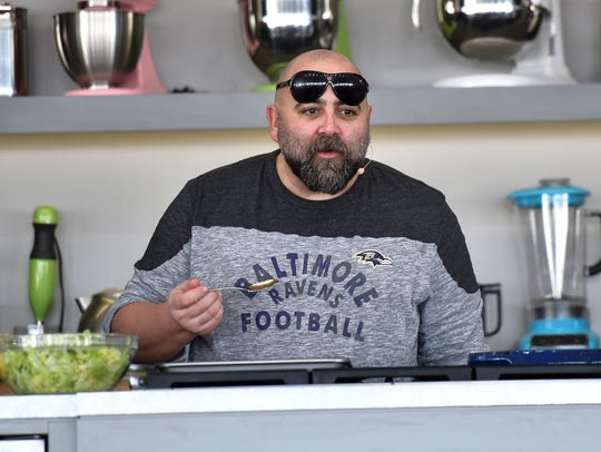 Chef Duff Goldman shows support for his hometown team