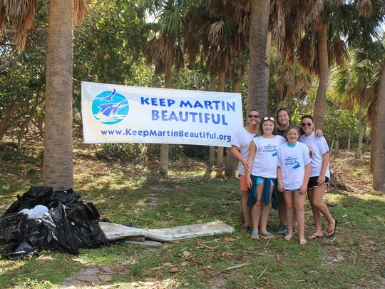 Keep Martin Beautiful Board Member Jennifer Stull-Wise with Sydney Wise, Charlotte Wise, Katelyn Bobo, Kaylee Bobo