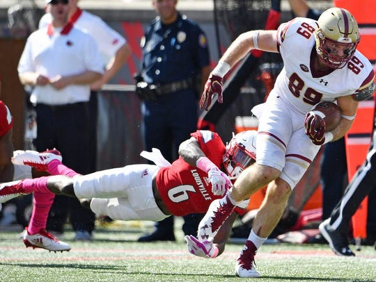 Boston College Eagles tight end Tommy Sweeney (89)