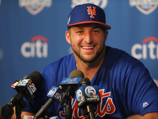 Former NFL quarterback and current New York Mets baseball