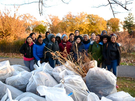 Union County College students prepare Warinanco Nature Habitat for chilly weather.