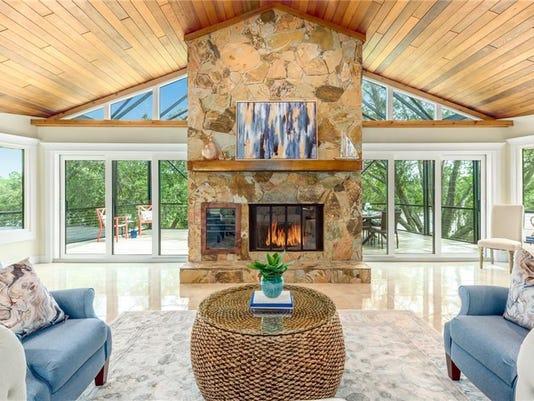 636585979570473644-10075-SW-Green-Ridge-Lane-Livingroom.jpg