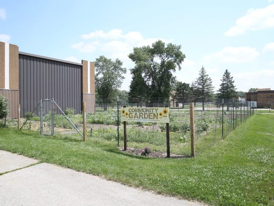 lcn_communitygardens_0506