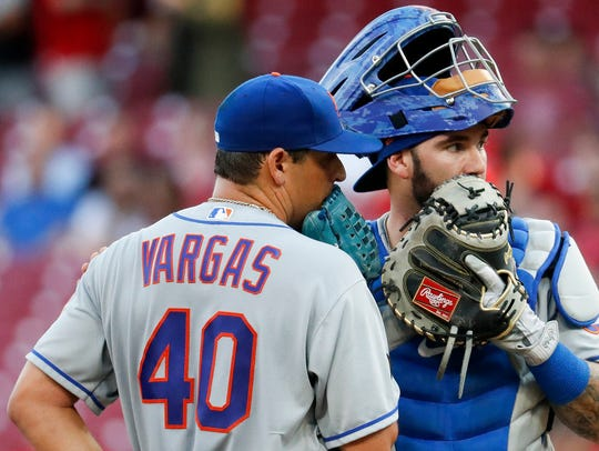 New York Mets starting pitcher Jason Vargas (40) speaks