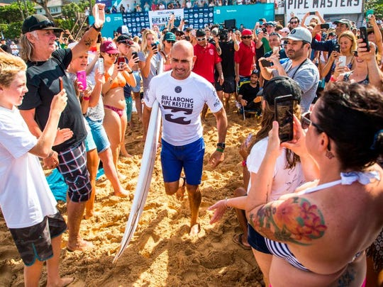 Kelly Slater prepares for the 1st round of the Billabong Pipe Masters, in Haleiwa, Hawaii on December 11, 2017.