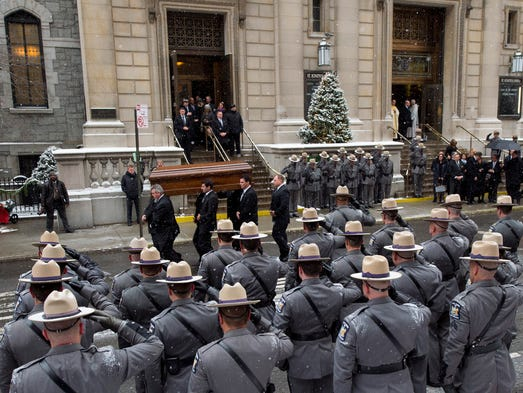 1/6/15 1:08:01 PM -- New York, NY, U.S.A  -- Funeral