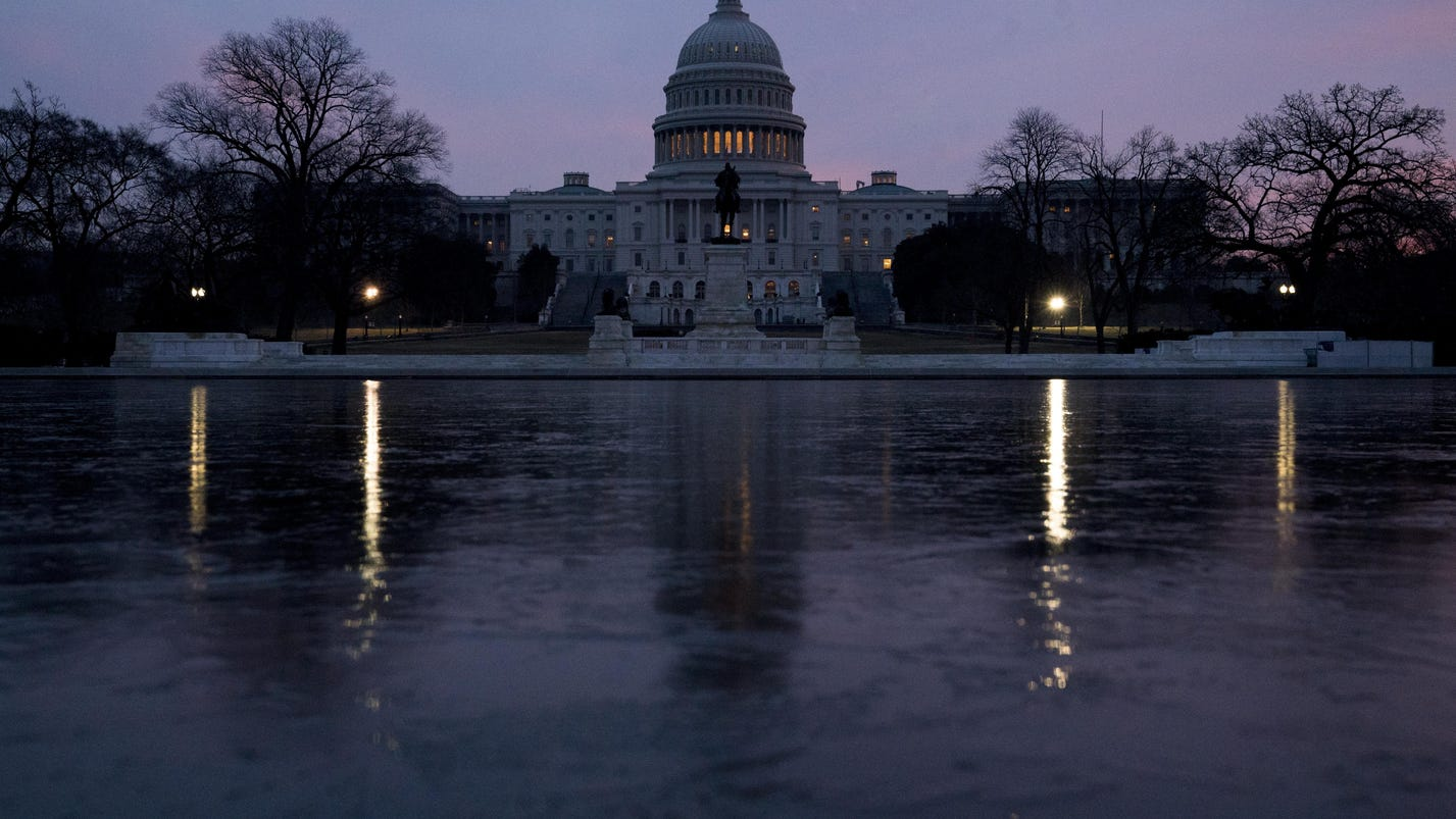 Congress takes on immigration amid election pressures
