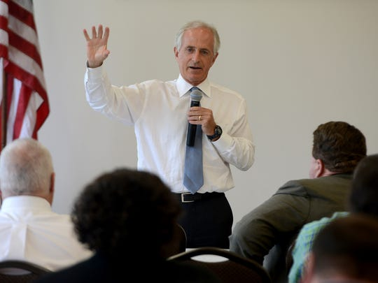 Sen. Bob Corker stopped at Rhino Construction Group