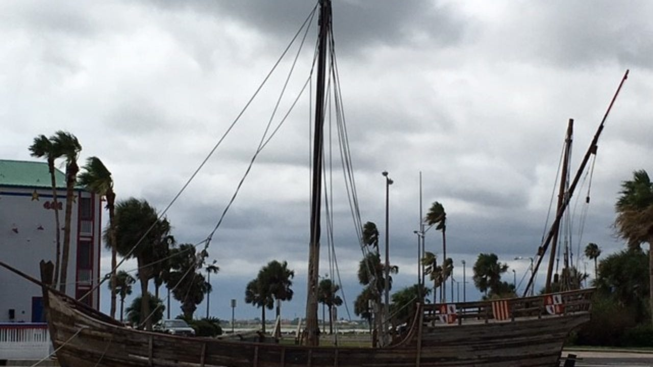 A few dedicated volunteers are trying to save the Niña, final survivor of Corpus Christi's Columbus ship replicas. They almost gave up but now things are looking up.