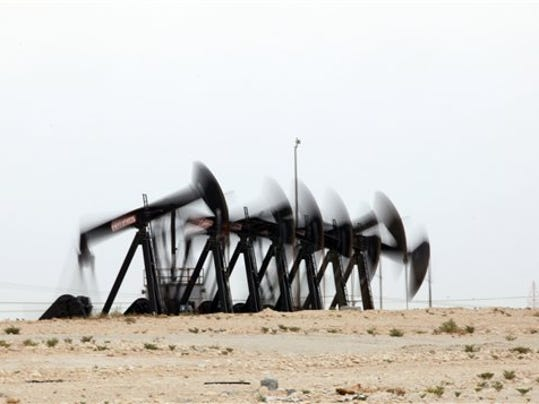 Mideast Bahrain Oil P_Beye.jpg