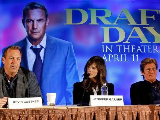 MNCO 0409 Kevin Costner on Draft Day movie.jpg