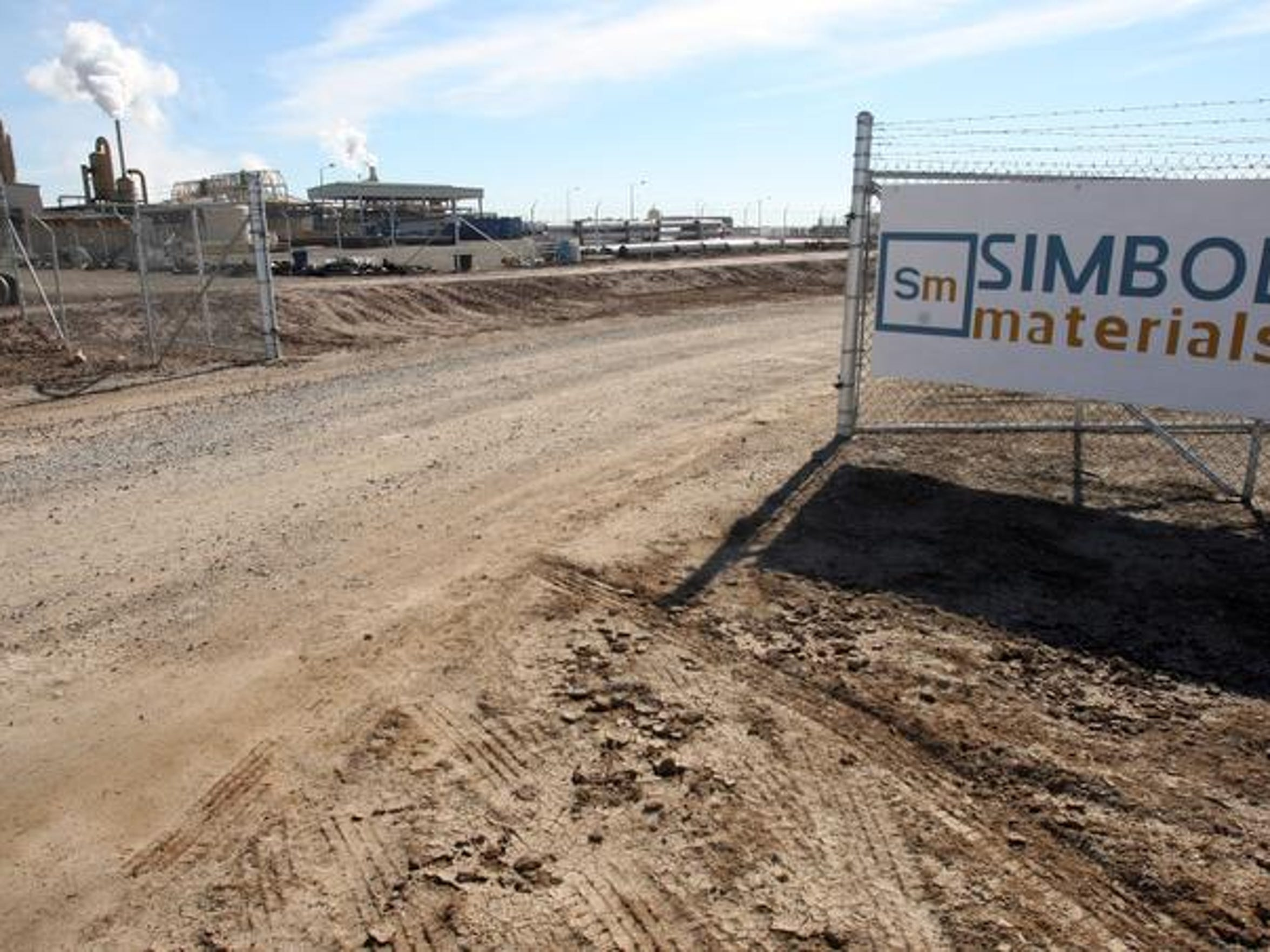 The entrance to Simbol Materials' Calipatria demonstration