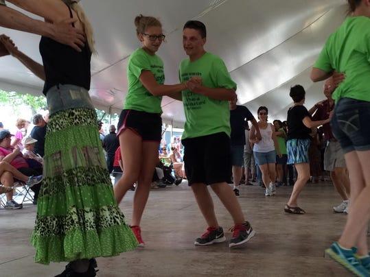 -Polka Dancers.JPG_20140720.jpg