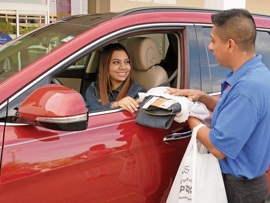 Sears offers in-vehicle pickup to make purchases and