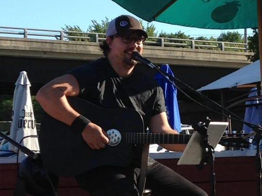 Geoff Landon will perform at Rookies Sports Pub on Sept. 22, 2016.