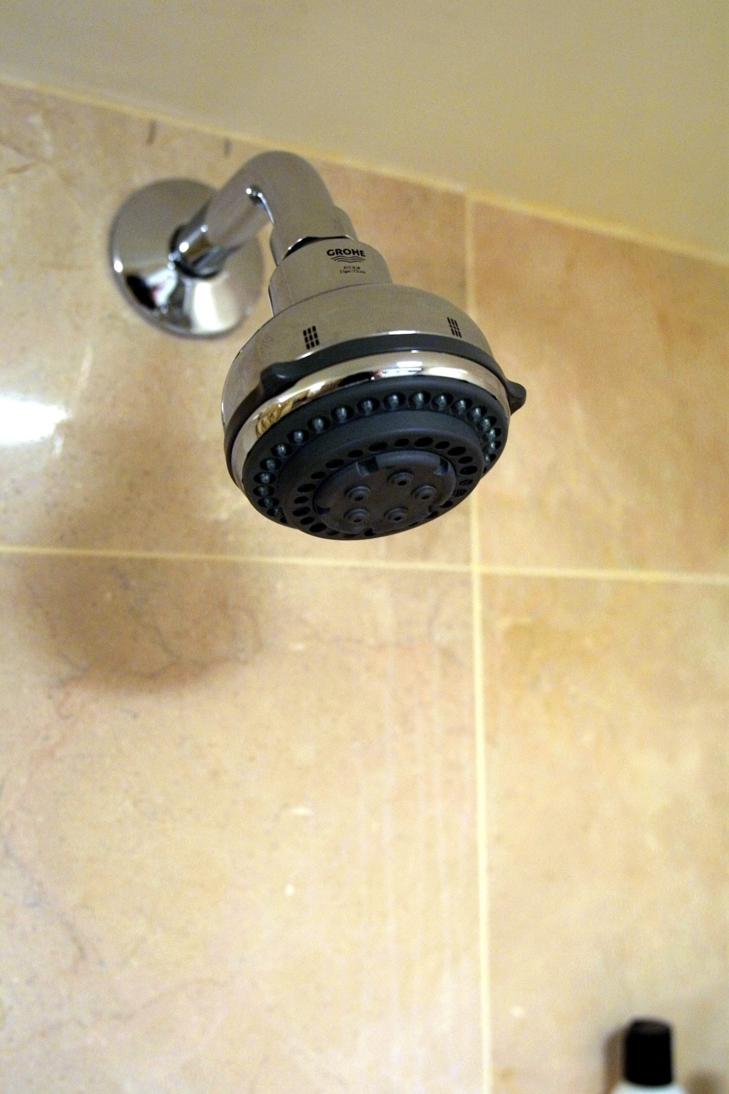 Videos peeing in shower and sinks