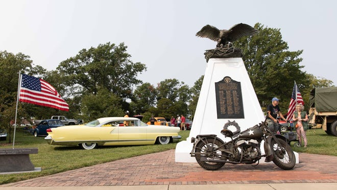 The Gage Park Memorial Board hosted its 1st Annual Gage Park Memorial Family Car Cruise on Sunday morning as a fundraiser for the purchase of a WWII Memorial.