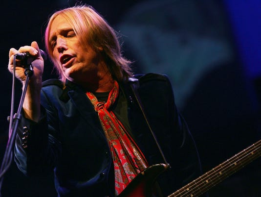 XXX IMG_GTY_TOM_PETTY_AND_TH_3_1_51JS170A.JPG