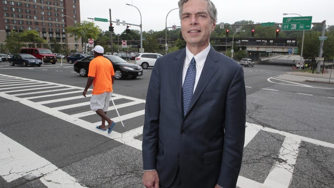 White Plains Mayor Tom Roach wants red light cameras to monitor traffic at dangerous intersections.