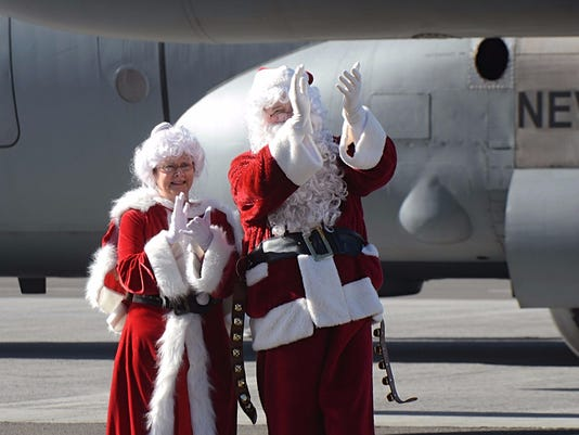 Reno families greet Santa Claus, receive gifts for Christmas