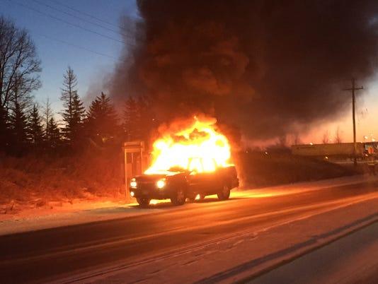 635881895912600445-sartell-car-fire.jpg