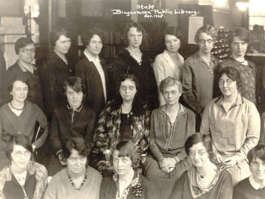 The library staff in 1910.