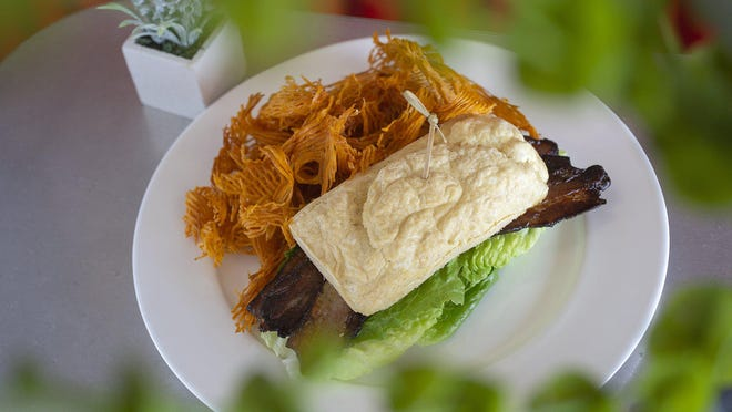 Chorizo al Plato with coleslaw and Papas Fritas