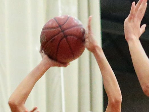 Seline Schinke scored 17 points for Palm Desert, but the Aztecs fell short in a 42-34 decision to Beaumont in a non-league girls' basketball game Friday.
