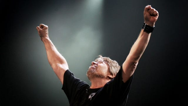 Bob Seger  will return to the Resch Center on Aug. 30 for his Runaway Train Tour.