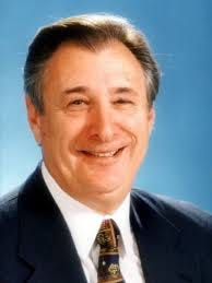 Bill Lonkart has withdrawn from the race for mayor of Bonita Springs.