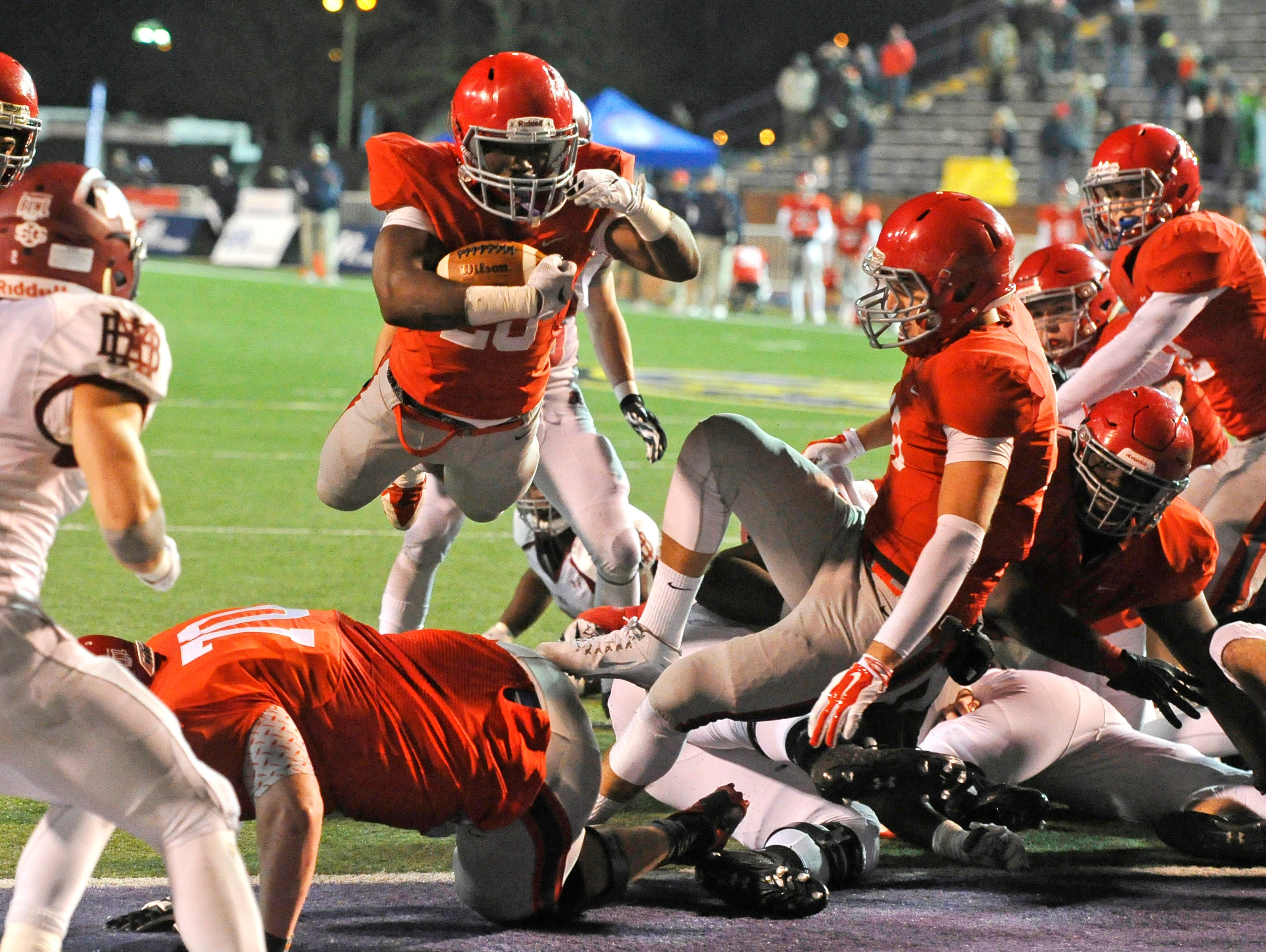 Brentwood Academy's Prince Momodu dives for the 2-point conversion to tie the BlueCross Bowl DII-AA state title game and sent it into overtime on Dec. 3, 2015, in Cookeville.