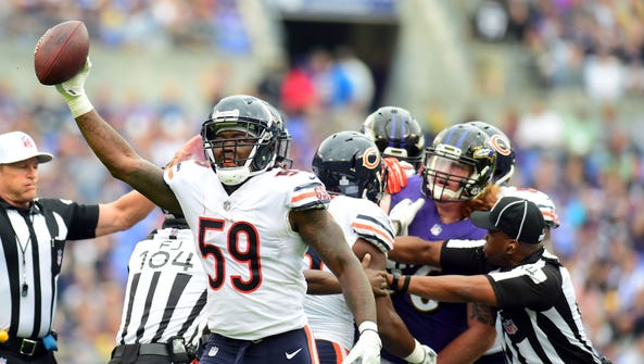 Chicago Bears linebacker Danny Trevathan (59) reacts