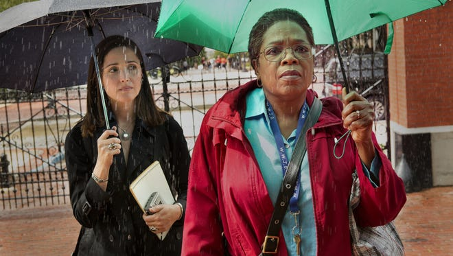 Rose Byrne and Oprah Winfrey star in 'The Immortal Life of Henrietta Lacks.'