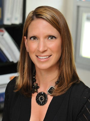 Dina Rossi Elliott will be the guest emcee for the induction ceremony for the Cumberland County Women's Hall of Fame.