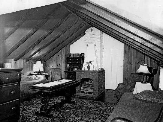 Seven Chimneys house in Washington Township  Photo,