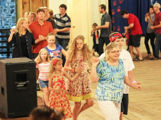 BMN 073015 B3 Barn dance A1 lead