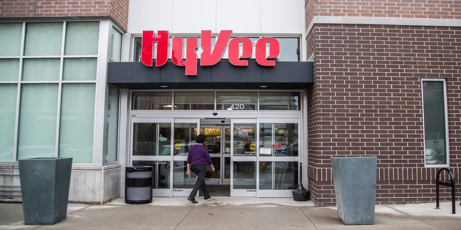 Hy-Vee recalls cheesecakes potentially contaminated with salmonella