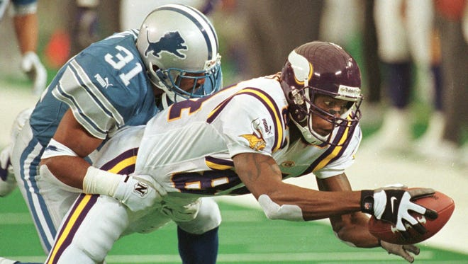 Randy Moss was drafted 21st overall in the 1998 draft by the Minnesota Vikings and went on to establish himself as one of the best receivers of all time.
