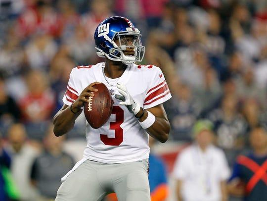 New York Giants quarterback Geno Smith (3) drops back