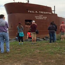 Ship runs aground in Duluth Harbor.