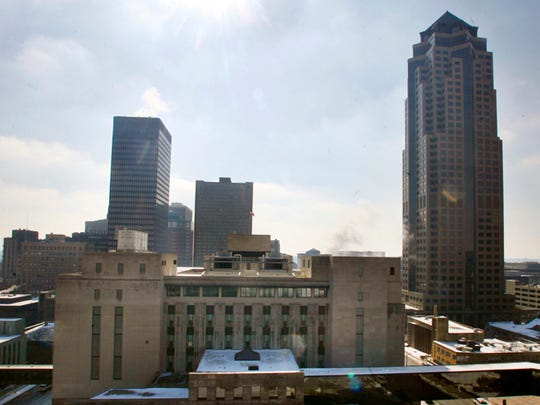 A view of downtown Des Moines with the Ruan Building on the left and 801 Grand on the right.