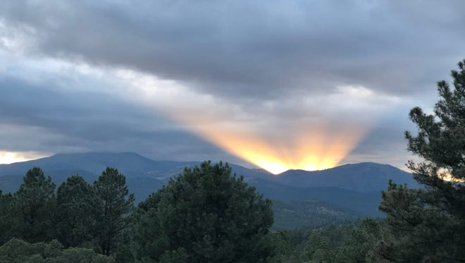 "A Ruidoso resident who saw this sunset said it reminded her of ""God's crown,"" and many others seemed to agree."