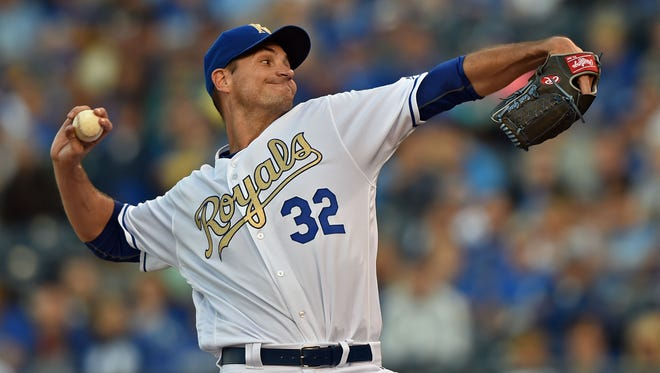 Kansas City Royals pitcher Chris Young (32) delivers a pitch against the Baltimore Orioles during the first inning at Kauffman Stadium.